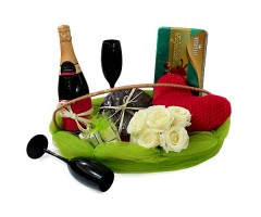 Click Clink Cheers Hamper
