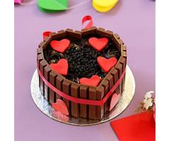 https://www.emotiongift.com/heart-shaped-kitkat-cake