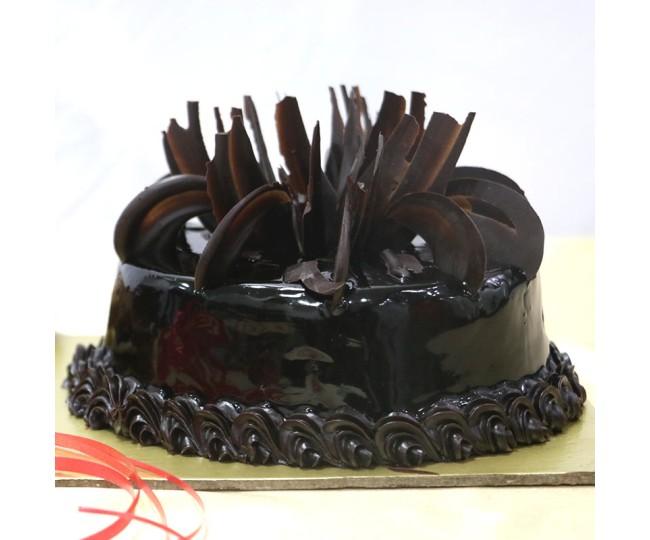 Eggless Truffle Cake