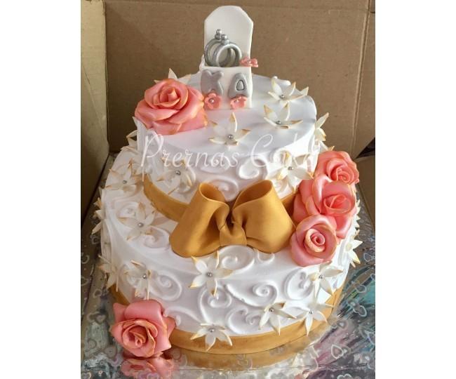 2 tier valentine cake