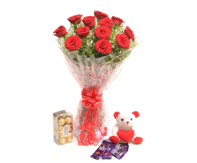 Rosy - Red Roses flowers bouquet with Ferrero