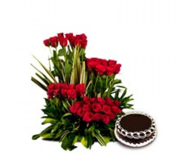 Royal Treat - Red Roses of long stem and 1 Kg Chocolate cake